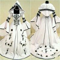 vestidos de casamento brancos bordados pretos venda por atacado-Vintage celta preto e branco vestidos de noiva com chapéu uma linha vestidos de noiva exclusivos com requintado bordado espartilho top custom made