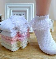 ingrosso calze di pizzo sveglie-Lace Socks principessa del bambino dei capretti delle ragazze dei bambini Primavera Estate cotone traspirante Calzino sveglio di 4 colori M992