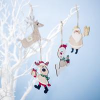 holz hängen tags großhandel-4PCS Holz Weihnachten Anhänger-Weihnachtsbaum-hängende Ornamente Startseite kolorierter Holz Tags für Weihnachten Geschenke Dekor