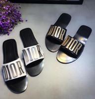 dedo animal al por mayor-Nueva moda mujer sandalias casuales zapatillas de cuero mujer zapatos de playa mujer diseño de lujo flip-flops sandalias peep toe D106