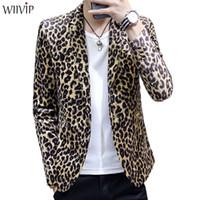 leopard print homens blazers venda por atacado-Novo homem moda impressão leopardo entalhado gola manga comprida suave tecido macio blazer casaco masculino primavera outono fino outerwear 1122