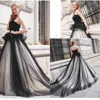 Wholesale dresses for 15 resale online - Black White Sweetheart Tulle Quinceanera Dresses Peplum Ruched vestido debutante anos Ball Gowns Prom Dresses For Party Ruffles