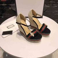 размер обуви см оптовых-2019 новые сандалии на высоком каблуке Маленькая пчелка Прозрачный специальный материал размером 35-40 Высота каблука 12 см