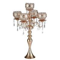 şamdan düğün dekorasyonu toptan satış-Tall 5-Kollar Metal Kolyeler Romantik Düğün Masa Mum Tutucu Ev Dekorasyon MMA2724 ile Altın candelabras gül
