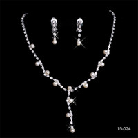 mücevher kristal çiçekler toptan satış-150-24 Sıcak Satış Kutsal Rhinestone Kristal Çiçek Küpe Kolye Seti Gelinlik Akşam Balo için Gelin Parti Jewel Setleri