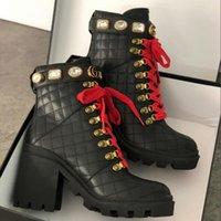 botas de color rojo al por mayor-Botas de diseñador Martin Boots Laureate Platform Desert Boots mujeres Bordado Star Bee Red Lace Botines de tacón grueso Moda Invierno Botas de fiesta