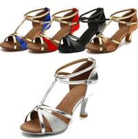 adultos tacones altos al por mayor-Damas zapatos de baile latino para mujer zapatos de baile de salón de baile de fondo blando para adultos sandalias de tacón alto para interiores