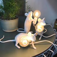 ingrosso mouse d'oro bianco-Art White Desk Black Gold Animal Rat Mouse Lampada da tavolo Kids 'Gift Room Decorare Cute Night Night Led Q190601