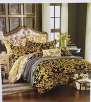 europas bettwäsche gesetzt luxus großhandel-Mode im europäischen Stil Luxus 100 Baumwolle Gold Bettwäsche Set König Queen-Size-Bettbezug Bett Rock Kissenbezüge Brand Design Letter V Bettwäsche