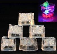 kristal buz küpleri yılbaşı toptan satış-LED Buz Küpleri Bar Hızlı Yavaş Flaş Otomatik Değişen Kristal Küp Su Aktive Işık-up Romantik Parti Düğün Noel Dekorasyon Için 7 Renk