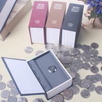 tirelire noire achat en gros de-Mini-clé Anglais Dictionnaire Forme Caché Boîte De Rangement Creative Coin En Métal Papery Coffer Rouge Noir Tirelire 14 5xqD1