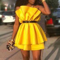 vestido de noche amarillento al por mayor-Amarillo del partido de las mujeres mini vestido plisado del hombro sin respaldo señora atractiva de Clubwear de la cena de noche de la túnica Femme soplo de la manga Batas primavera