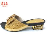 bolsas de zapatillas de fiesta al por mayor-Zapatillas italianas sin juego de bolsa de color dorado Zapatilla de moda Boda nigeriana Zapatos africanos que no combinan Juego de bolsos Fiesta para mujeres