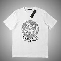 tasarımcılar kadın giyim toptan satış-Versace Marka Tasarımcısı T Shirt Erkek moda Üstleri mektup baskılı T-Shirt Erkek Giyim Yaz Kısa Kollu Tişört Bayan pamuk tees