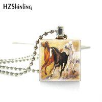 at resimleri toptan satış-Yeni Geliş Klasik Stil At Sanat Resim Sergisi Koşu Ahşap Scrabble Fayans Gümüş Top Zincir kolye Takı