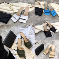 chinelos de estilete venda por atacado-Mulheres de luxo Designer Flip Flop sonho napa Sandálias de dedo do pé Quadrado Sandália stretch Senhoras de Luxo casuais Chinelos Mulher de Casamento de salto alto