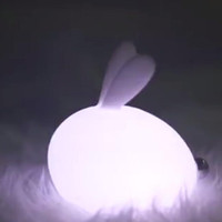 mejor lampara de dormitorio al por mayor-Noche de los niños Lámpara de luz Sensor táctil de silicona Conejo LED Lámparas que cambian de color Luz de respiración, Habitaciones de guardería para bebés Los mejores regalos de Navidad B