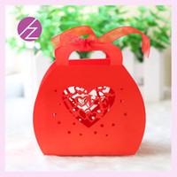 ingrosso scatola del cuore cinese-Cinese cuore rosso amore Laser Cut perla Caramelle di cioccolato Scatole da regalo Scatola di compleanno nuziale con nastri inverno nozze souvenir chirstmas