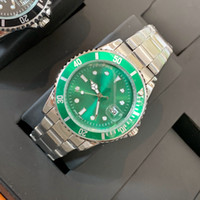 quarzuhr grün großhandel-Orologio di Lusso Mode Uhren mit Kalender Faltschloss Verschluss Strap Mens New Quarzuhr Green Watches Luxus-Armbanduhr Hohe Qualität