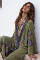 mano kimonos al por mayor-2019 Ropa de abrigo Primavera Kimono largo bordado floral hecho a mano Maxi Hippie Bikini Cardigans verde mujeres vestido de chaqueta delgada Boho Kimonos vestido