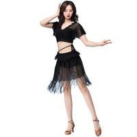trajes de dança do ventre preto venda por atacado-Traje de Dança do Ventre Preta Mulheres Bollywood Lace Bellydance Prática Roupas Borla Roupas Cigana Desgaste Da Dança Oriental DC1774