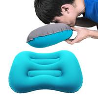 almofadas de acampamento infláveis venda por atacado-Ultraleve Viagem Camping Travesseiro Imprensa Inflar Pescoço Travesseiro Inflável Camping com Saco De Armazenamento de 3 cores MMA2298
