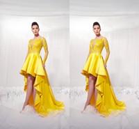 ingrosso abito basso giallo a basso dimensione-Nuovi vestiti di ritorno a casa lunghi di fronte giallo corto con le maniche lunghe di illusione vestiti di partito di promenade di alta appietta di applique modesti per le ragazze