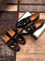 ingrosso decorazione di affari-Scarpe da uomo di design scarpe casual slip-on in vera pelle di grandi dimensioni scarpe da lavoro di marca 'G' scarpe di business con decorazioni in metallo argento