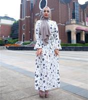 abaya noir islamique achat en gros de-Robe musulmane Femmes Abaya Caftan islamique Arabe Dubaï Caftan marocain Robe Musulmane Imprimé Écharpes Longues Robes Blanc Noir