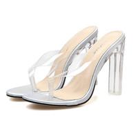 9fe4e9fb32 Aberto Toe De Salto Alto Mulheres sandálias Transparente Perspex Sapatos  Chinelos Calcanhar Sandálias Claras flip flops férias chinelos de praia