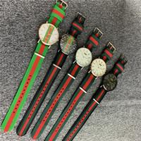 neue uhren bunte band großhandel-Neues Design Luxus Streifen Uhren Quarz Nylonband Uhr Casual Männer Frauen Band Schwarz Komplexe Bunte Armbanduhr Militäruhr B82703