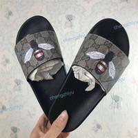 düz sandaletler flip floplar toptan satış-Ucuz En İyi Erkek Kadın Sandalet Tasarımcı Ayakkabı Lüks Slayt Yaz Moda Geniş Düz Kaygan Sandalet Terlik Flip Flop Kutusu Boyutu 36-46