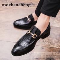 mocasines de vestir de cuero para hombres al por mayor-2019 hombres de negocios formales Brogue zapatos de lujo de los hombres de cocodrilo vestido zapatos casuales mocasines de cuero genuino del banquete de boda