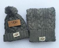 foulards pour homme en gros achat en gros de-combinaison de bonnets bonnet et écharpe chauds de marque Designer Chapeaux imprimés à la mode, chapeaux de sports d'hiver.