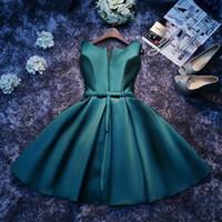 vestidos de dama de honor junior negro rojo al por mayor-Nuevo Scoop Satin Verde oscuro Vestidos de dama de honor Corto con faja Vestidos de dama de honor Junior con cordones en la espalda Vestidos baratos para el banquete de boda