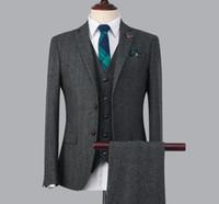 costume homme gris foncé achat en gros de-Gris foncé costumes pour hommes 2019 deux boutons crantés revers meilleur costumes pour hommes costumes d'affaires formelles costume de bal (veste + pantalon + cravate + gilet)