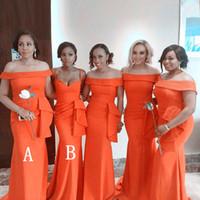 ingrosso donne di vestito arancione di modo-Fashion Orange Mermaid Abiti da damigella d'onore 2019 Ruffles lungo collo barca Maid Of Honor Dress Prom per le donne Abiti