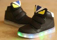 botas led unisex al por mayor-European Hook ^ Loop sólido LED iluminado niños zapatos casuales unisex botas brillantes niños Elegantes moda chicas niños zapatillas