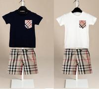 erkekler tayt tişörtleri toptan satış-Çocuk giyim setleri erkek ve kız eğlence spor takım elbise cep T-shirt + PLAID ŞORT ÇOCUK yaz elbise yaz B11 giymek