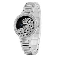 montre boucle à crochet achat en gros de-Creative Diamond Leopard Pattern Dial Watch pour les femmes élégantes montres analogiques à quartz pour Lady Premium alliage bande avec crochet boucle montre-bracelet