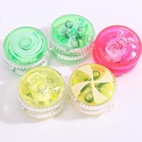 novo yoyo venda por atacado-Novas crianças brinquedos educativos para Crianças Beyblade Yo-Yo Luminosa puxar linha Yo-Yo yoyo bola flash de plástico brinquedos para crianças