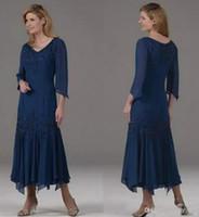 çay uzunluğu lacivert ana elbiseler toptan satış-Lacivert Uzun Kollu Anne Gelin Elbiseler V Boyun Bir Çizgi Çay Boyu anneler Elbiseler Şifon Kadınlar Düğün Konuk törenlerinde