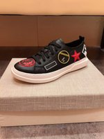 Wholesale gold designer shoes for men resale online - New Fashion Men Designer shoes for men with top quality genuine leather gold red blue stripes ace sneakers red white size HY109