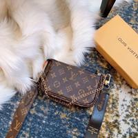 sutyen kolye toptan satış-High-end moda marka bayanlar çanta yöntemi köpek asılı kolye anahtarlık süsler 13 * 5 * 12 cm omuz çantası omuz zinciri orijinal kumaş 14 cm