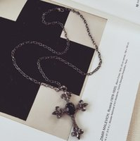 schwarze edelsteinkette großhandel-Koreanische Version Schmuck Punk Wind schwarzen Edelstein Kreuz Halskette Pullover Kette