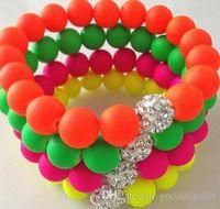 perlas de color de fluorescencia al por mayor-¡El precio más bajo! 10mm Pulsera de neón caliente Color de los granos de la bola del disco del soporte del estiramiento pulseras de cristal artesanía joyería de las mujeres regalo w93
