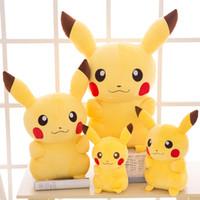 dolmalık peluş santa toptan satış-En çok satan Dedektif Pikachu Peluş bebekler 45 cm Pikachu peluş oyuncaklar karikatür Doldurulmuş hayvanlar oyuncaklar yumuşak ...