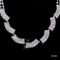 abendkleid halskette großhandel-2019 neue Schmuck Halskette Ohrring Set Günstige Hochzeit Braut Prom Cocktail Abendkleider Strass Auf Lager Freies Verschiffen 15050