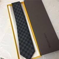 caixa para gravata borboleta venda por atacado-Laço dos homens 100% laço de seda camisa dos homens laços 8.0 cm marca de moda pequena xadrez xadrez caixa de presente de seda