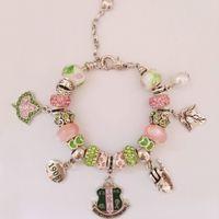 pulseras de cuentas personalizadas al por mayor-AKA Sorority Ivy 1908 Pinky Up Bead Charm Bracelet brazalete de encargo griego brazalete 1pc